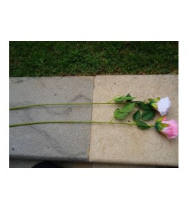 Boccioli di rosa artificiali