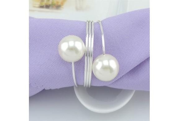 Anello portatovagliolo con perle segnaposto